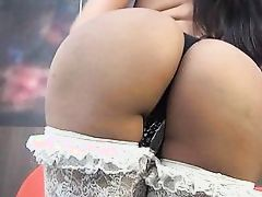 gorgeous ass shemale plays alone