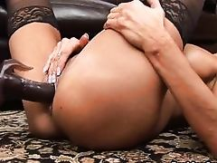 fairy-haired mamacita in stockings masturbates wildly