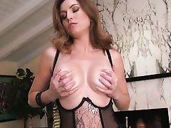 curvy mom slaps her ass